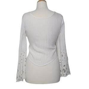 MOON RIVER Top Cropped Back Tie Knot Eyelet Detail